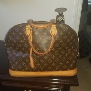 100% authentic Louis Vuitton monogram Alma GM rare